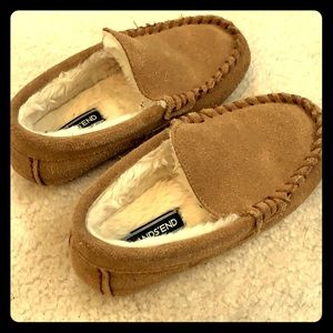 Kids size 11 Lands End slippers!!